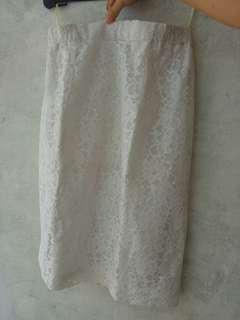 Rok lace bunga putih #MauiPhoneX