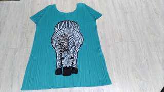 <九成新>PLEATS PLEASE  日本製 綠色斑馬 壓皺 皺摺 摺衣 / 3