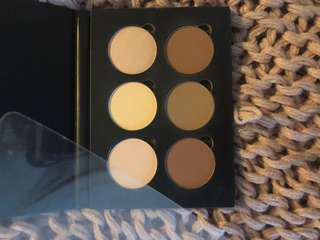 Anastasia Beverly Hills Light-Medium Countour kit