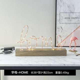 🚚 北歐飾品 家居擺飾 吃AAA 3號電池 木製底座 英文字母 小夜燈 LED燈 Love Home 兩款