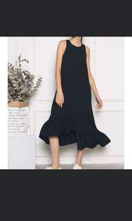Hollyhoque Aurora dress in Black