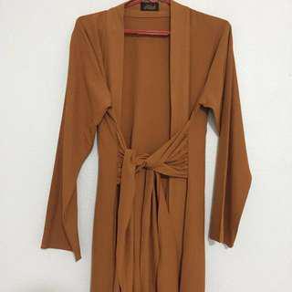 🚚 Brown dress abaya