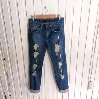 Bossini ripped jeans