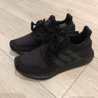 Adidas swift run size 6.5/23cm