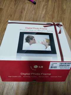 LG Digital Photo Frame
