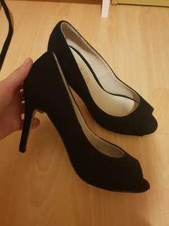 Betts Heels Size 6