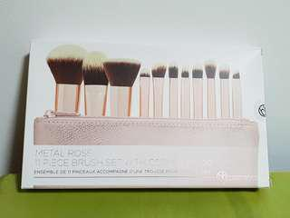 🚚 Metal Rose 11 Pieces Brushes Det with Cosmetic Bags