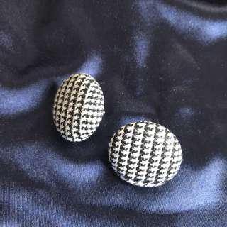 🚚 千鳥紋針織耳環