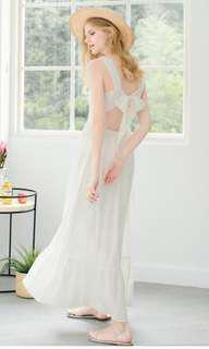 🚚 全新轉賣 Lovfee後綁帶洋裝 白色s號