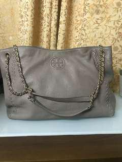 Authentic Tory brunch bag85%new,good conditions as pic,size 35*25*12cm