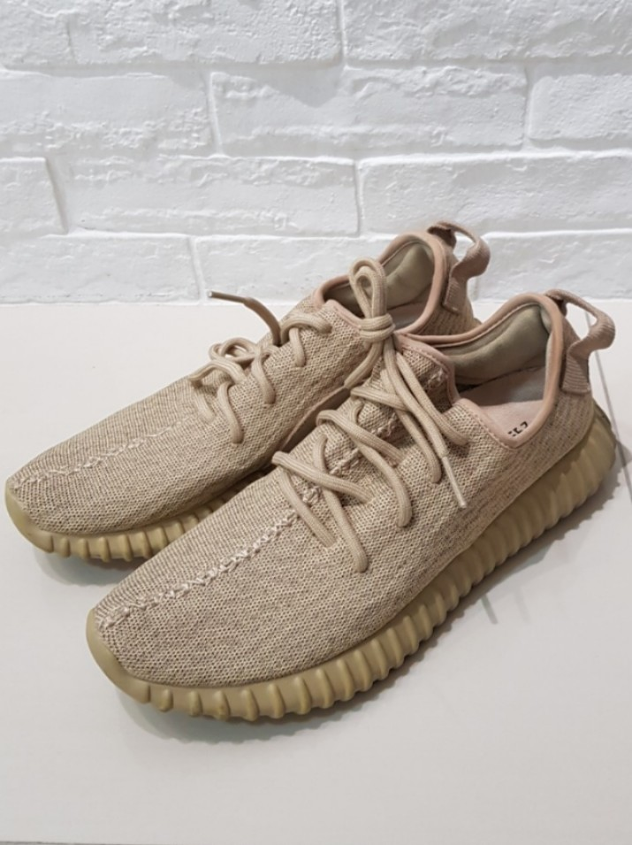 e75b972d Adidas Yeezy 350 oxford tan, Men's Fashion, Footwear, Sneakers on ...