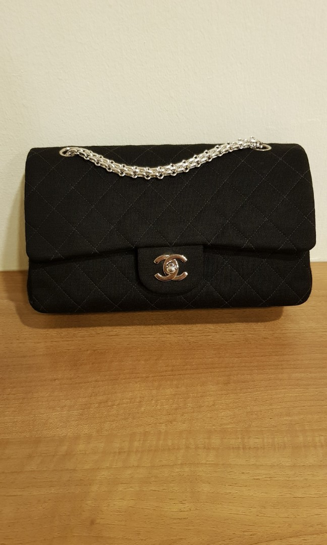 5bd924cc0c87f1 Good deal not to be missed! Authentic Chanel Classic Handbag, Luxury ...