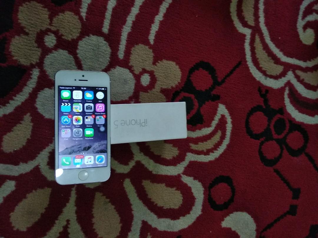 Mantap! iPhone 5 32gb cuma 900rb!