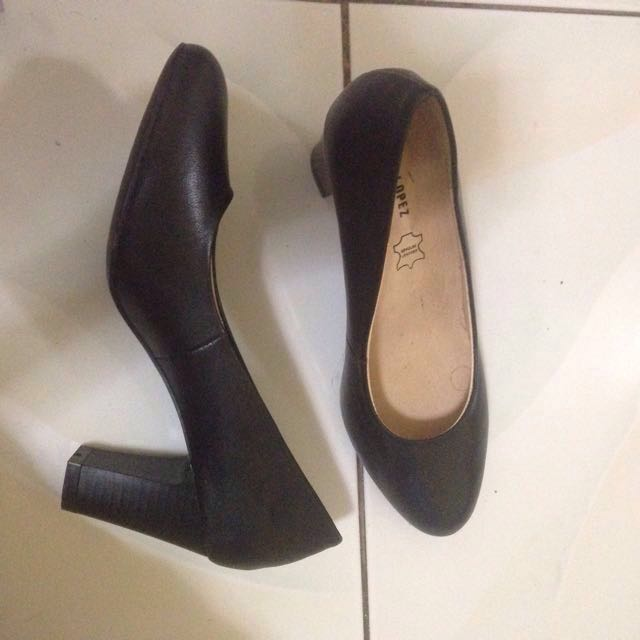 b6cabf3bc09 RUSTY LOPEZ Black Leather Shoes with 3inches heels