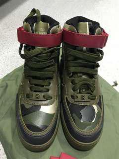 全新Valentino 有型波鞋