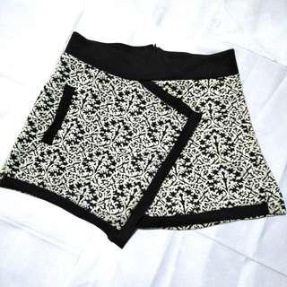 Monochrone Skirt Shorts (Skort)