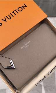 Louis Vuitton Comete Wallet Leather Long