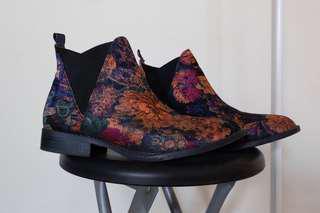 Boots flower Primark(Amsterdam)