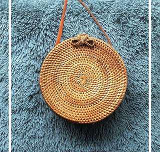 Rattan circle bag -tan