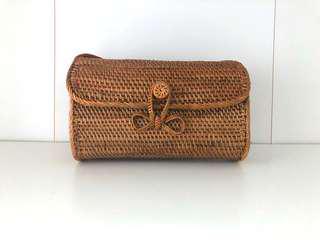 Rectangular rattan purse -tan