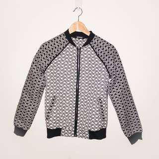 [MISSGUIDED] BLACK AND WHITE WAVE BOMBER JACKET