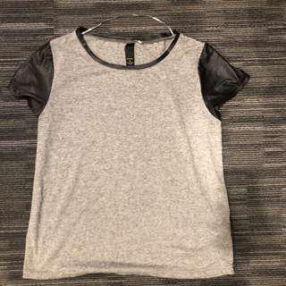 black and grey t-shirt