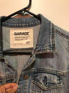GARAGE Light wash distressed jean jacket (Size XS)