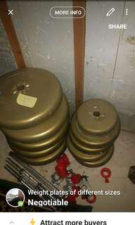 Weight plates of different sizes