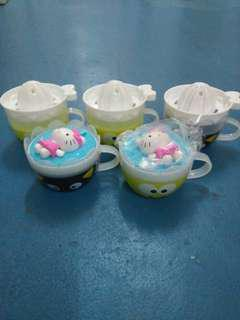 Set of 5 Sanrio Small Plastic Cups with 3 lemon smashers and 2 movable Hello Kitty caps