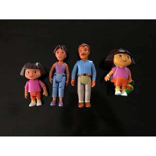 Guc Dora and her mum mama and dad papa dolls movable arms and legs limbs
