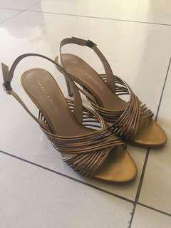 Preloved Heel gold c&k