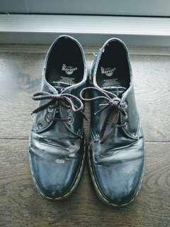 Dr Martens vegan patent leather