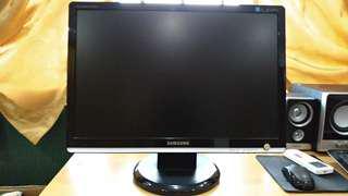 WTS Used Samsung Sync master 226BW Monitor