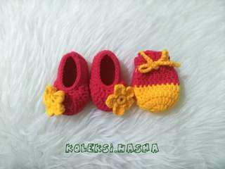 Sepatu bayi rajut sarung tangan mitten booties baby newborn 01
