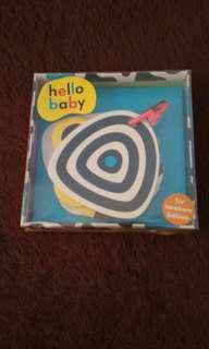 Buku Hello Baby High Contrast Book