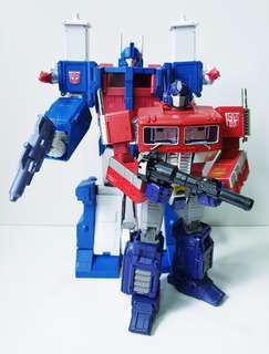 Transformers Masterpiece Optimus Prime & Ultra Magnus