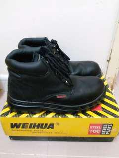 硬頭黑色短靴