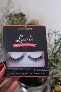 Lavie Fake Lash type Snow Drop