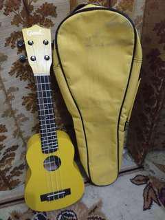 Ukulele Grande - Yellow