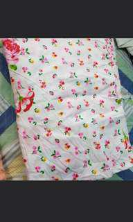 Qhite floral bed sheet with garter
