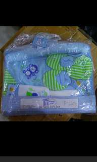 Baby infant gift pack, full moon 10 piece set. Towel,mittens,cap etc