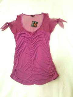 GUESS off shoulder top (brand new)