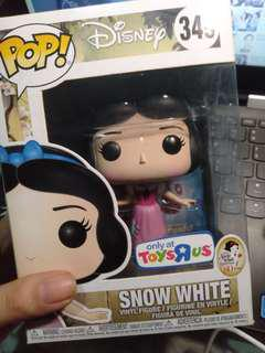 Snow White Toys R Us Exclusive Funko Pop