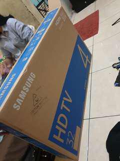 """SAMSUNG SMART TV N4300 CLASS 32"""""""