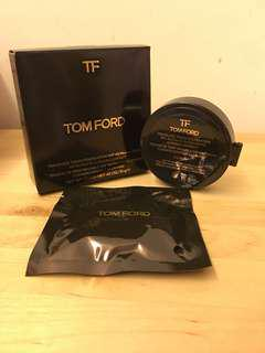 Tom Ford Traceless touch foundation ( Satin-matte cushion compact refill)