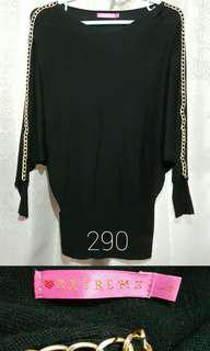 2XTREMZ Black Top Longsleeves Loose Blouse Sweater with Gold Chains