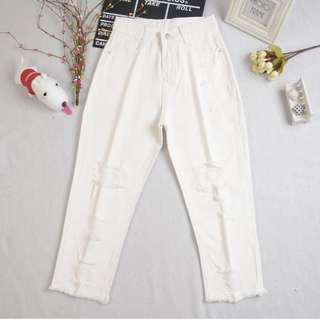 BNWT Highwaist White Ripped Cropped Jeans