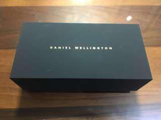 🚚 Daniel Wellington 手錶盒