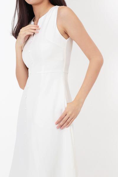 cc1bf3ee58649c AFA LILLIE BUTTON MIDI DRESS IN WHITE (XS), Women's Fashion, Clothes ...