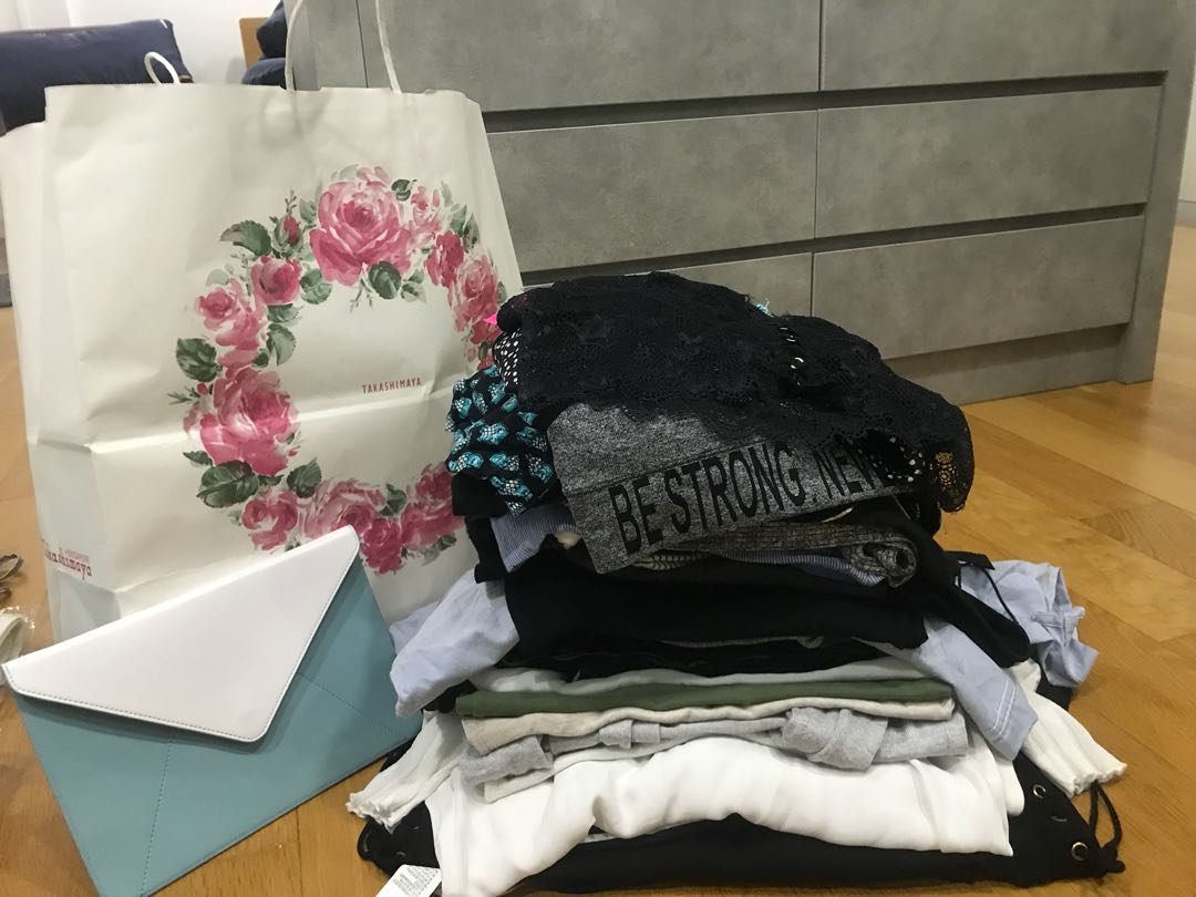 c5196a0e08f Bag of clothes for sale with freebies! Top shop, river island and ...